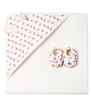 Coffret carré de bain et chaussons bébé en BE et côte